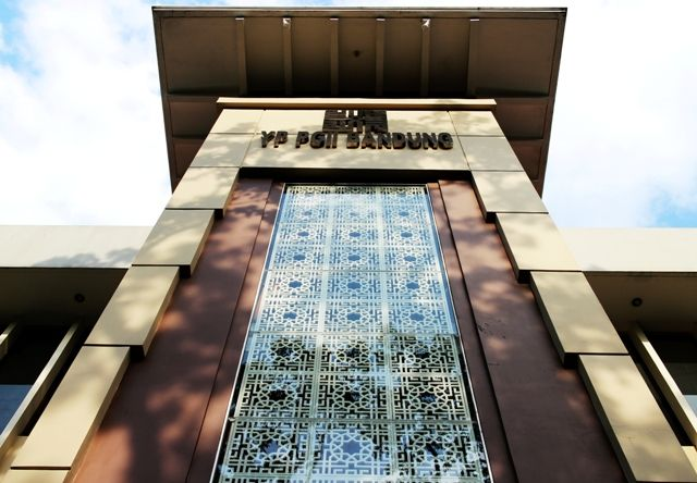 a architecture photograph of SMA PGII 1 Bandung Mein Almamater  #sma #pgii #bandung #pantayuda #architecture #photograph