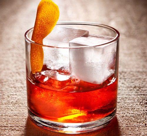 Old Fashioned, en klassiskt manlig drink! #oldfashioned #drink #drinkar #sprit #manligdrink #dondraper #madmen #spirit #whisky #burbon #Obsid