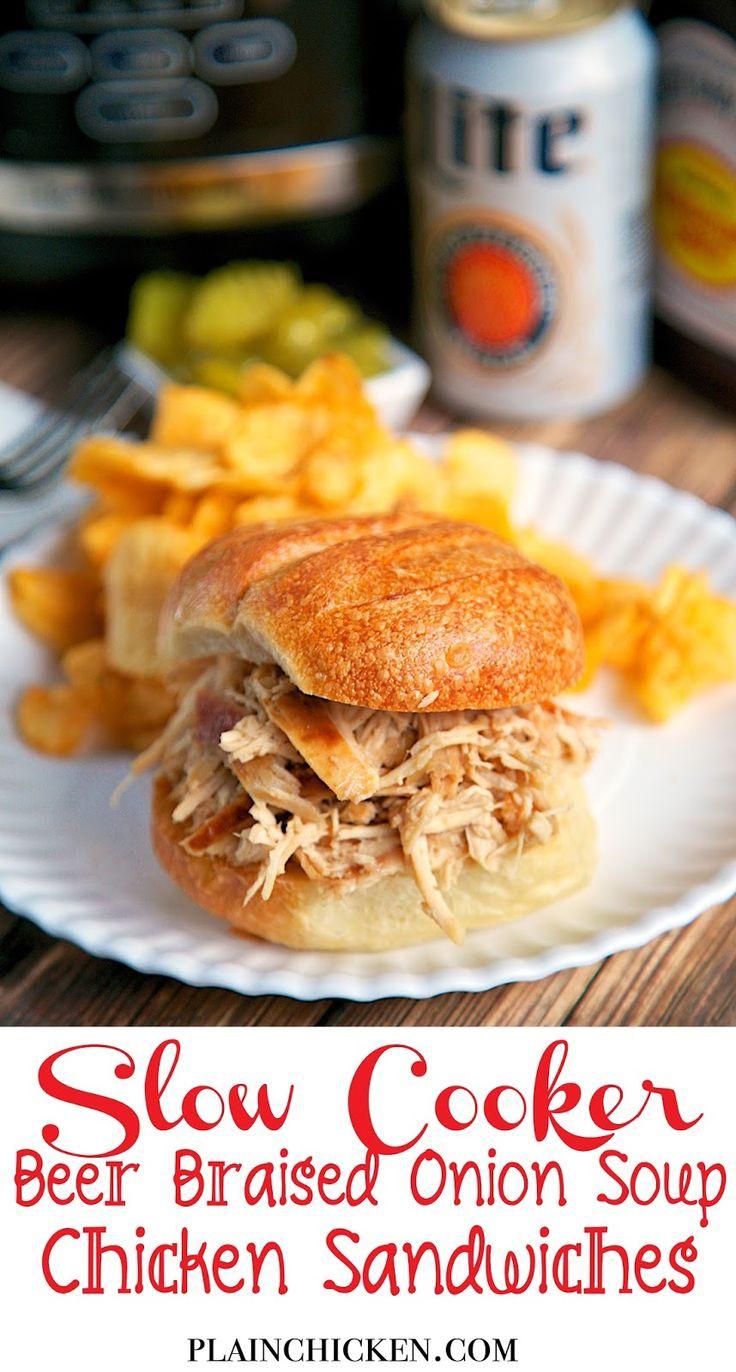 {Slow Cooker} cerveza estofado de cebolla Sopa de pollo Sandwiches - sólo 4 ingredientes!  Fijar y olvidarse de él!  Genial para una comida entre semana o incluso chupar rueda!