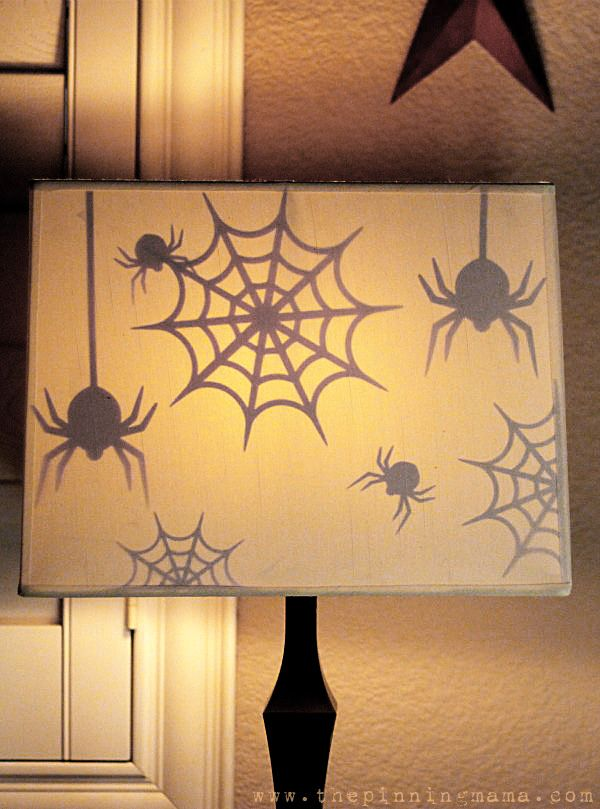 Surprise Spooky Spider Halloween Lamp created with my Silhouette | The Pinning Mama