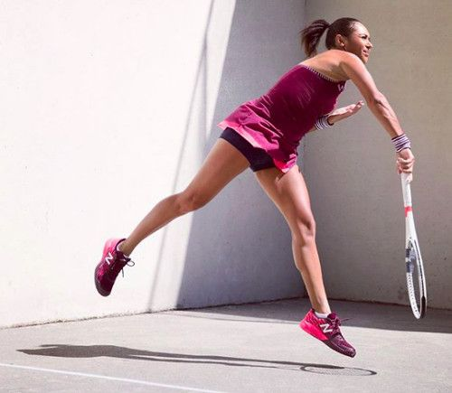 Heather Watson in the New Balance Holiday Tournament Dress ready for the 2018 Australian Open
