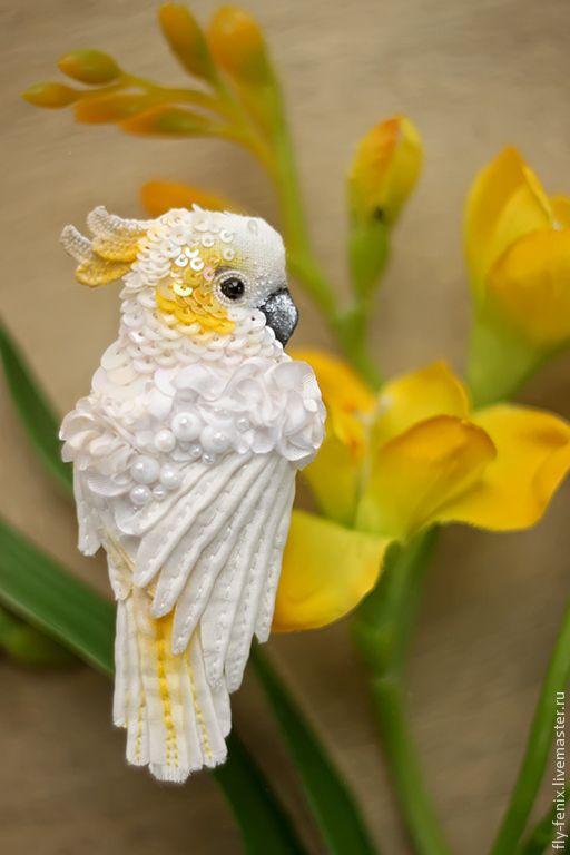 Купить брошь - Белый Какаду - птица, птичка, пташка, миниатюра, маленькая брошь, на платье, брошка