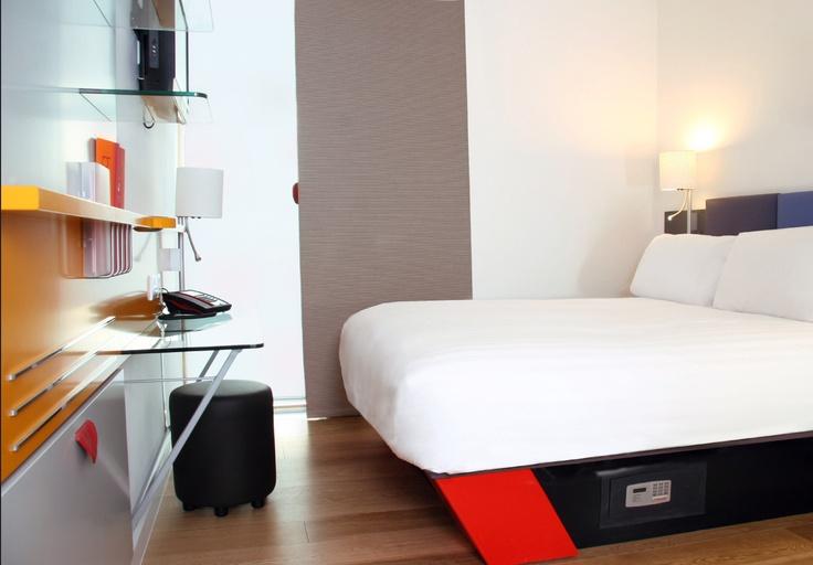 Cardiff bedroom