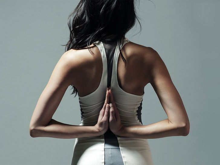 """This garment fit with sensors will actually """"nudge"""" you if you're out of alignment.: Yoga Fashion, Yoga Teacher, Mobiles App, Yoga Poses, Tanks Tops, Smart Shirts, High Tech, Pilates, Activities Wear"""