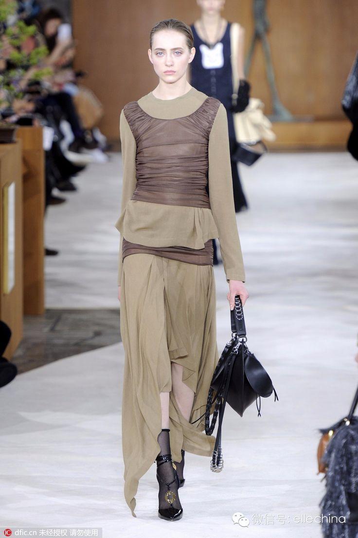 elle中文网_流行时尚:从时装到配饰,Loewe大秀成功引起了所有人的注意 ...