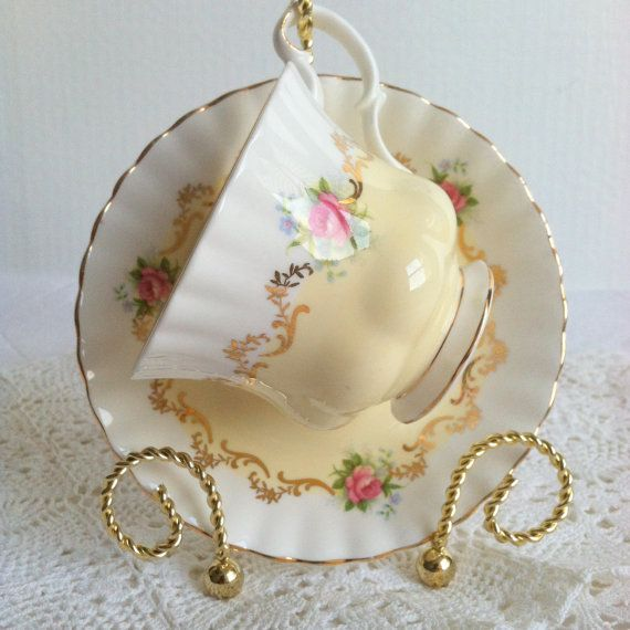 Vintage Royal Albert Tea Cup & Saucer by MariasFarmhouse on Etsy
