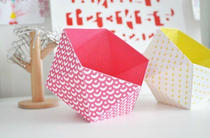 Boîte culbuto  exemple d'utilisation : mettre sur la table pour chaque invité avec des bonbons, chocolats...
