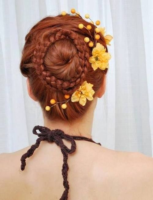 Hairstyle that resembles' a painting by Botticelli #women