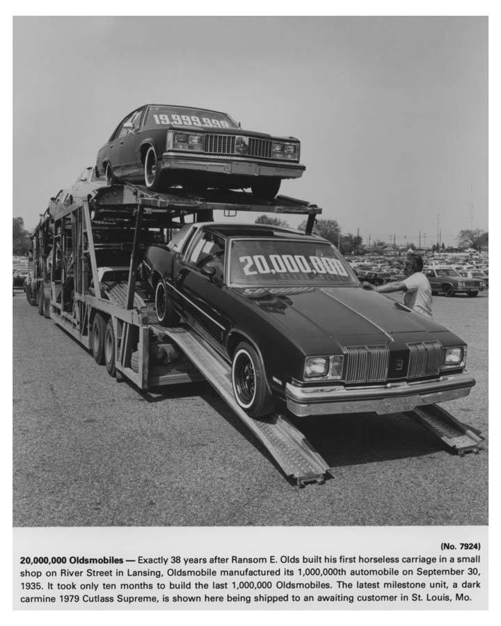 1979 Oldsmobile Cutlass Supreme Car Carrier Truck Photo Poster Zch7250 Ebay Oldsmobile Car Carrier Oldsmobile Cutlass