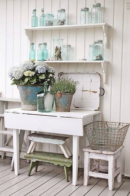 Darling outdoor planting station.