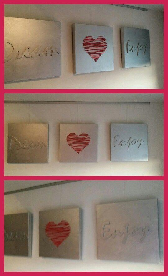 Oude canvas doeken zilver gemaakt letters action takjes uit eigen tuin en neon roze gemaakt... zilver en roze beide dpuitverf van de action
