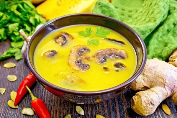 Согревающий осенний крем-суп из запеченной тыквы с чесноком, жареными грибами и тимьяном. Ингредиенты тыква1 шт. шампиньоны300 г сливки200 мл вода400 мл лук1 шт. тимьянпо вкусу чеснок1 зубчик р…