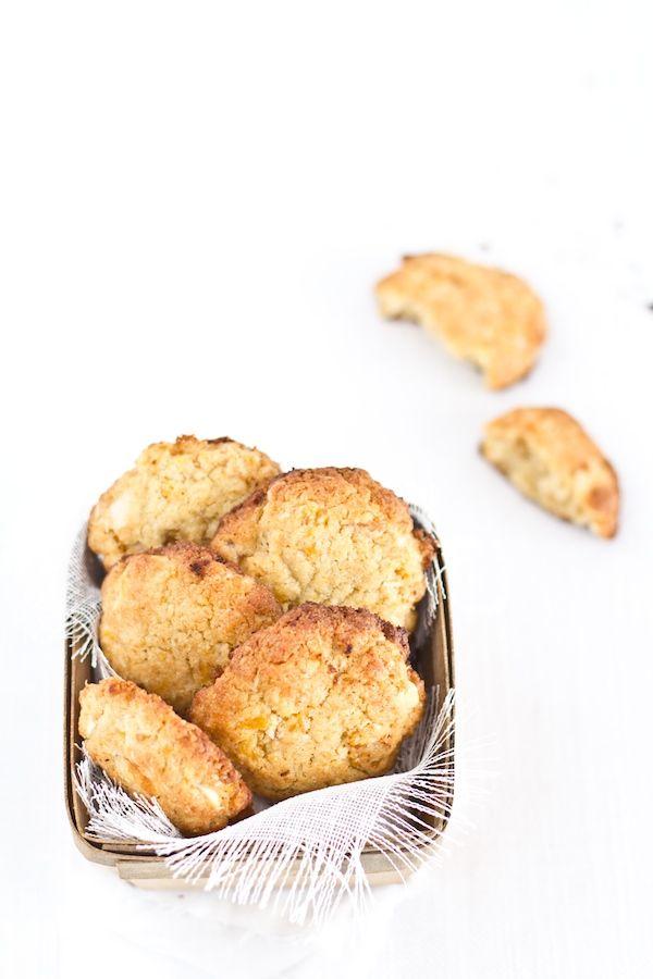 Biscotti cocco, mandorle e albicocche