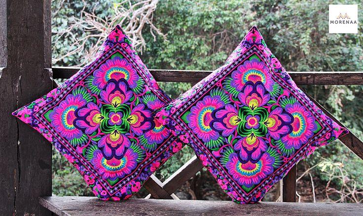 Cojines Bordados Tailandia ✤ $13.990 - Código: AC027-7 ✤ Embroidered Cushions ✤ FanPage: Morenaa ✤✤✤ Instagram: morenaa_ltda_chile #morenaa #lomejordecadalugar