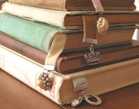 Perfect Christmas gifts: Vintage Books, Books Markers, Charms, Gifts Ideas, Books Club, Ribbons Bookmarks, Antique, Vintage Bookmarks, Old Books