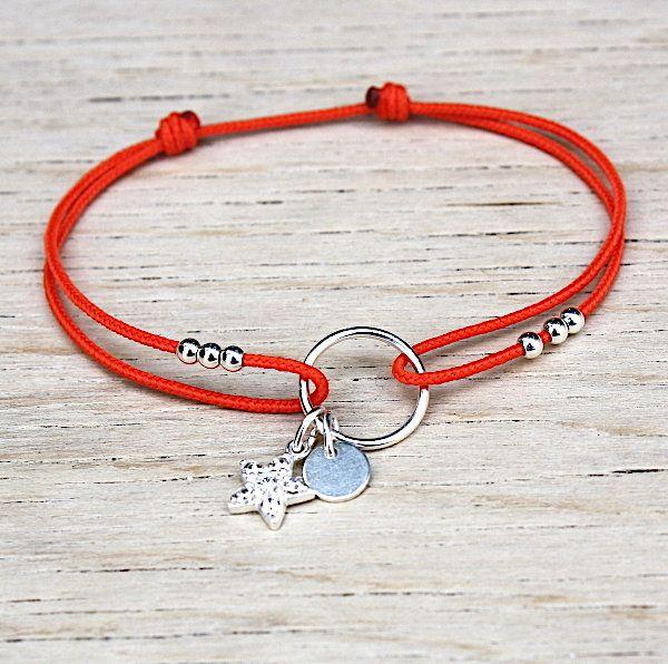 Bracelet Cordon 1 5 Mm Polyester A Choisir Il Est Reglable A Tous Les Poignets Aves Son Noeud Couli Bracelet Crafts Friendship Bracelets Diy Handmade Jewelry