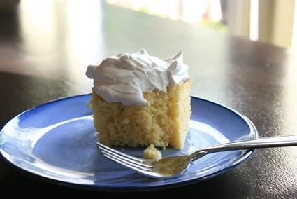 tres leches cake // sounds delicioso!  :)