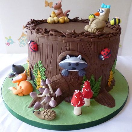 Woodland creatures by carolinescakeco for Animal cake decoration