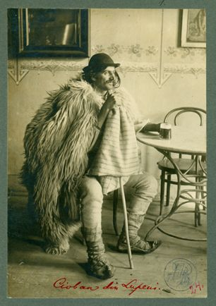 Leopold Adler (b. Nusle, Prague 1848 - d. Kronstadt/Brașov 1924): Cioban din Lupeni. Data: tra il 1900 e il 1920. Fonte: The Romanian Academy Library