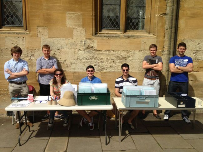 It is the first day of this year's Oxford Experience and our team of assistants and luggage porters are waiting to welcome you.  The sun is shining and the college is looking wonderful in the sunshine.  All is ready for a wonderful programme.