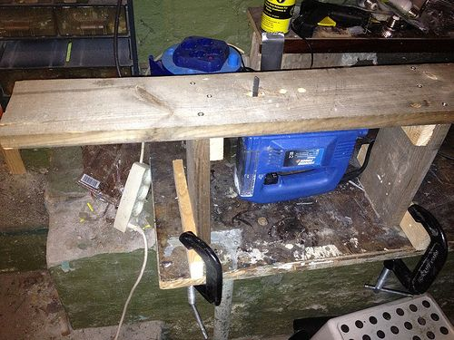 Jigsaw hacked in to bench saw