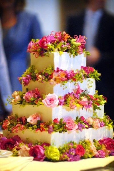 Gorgeous summer wedding cake!