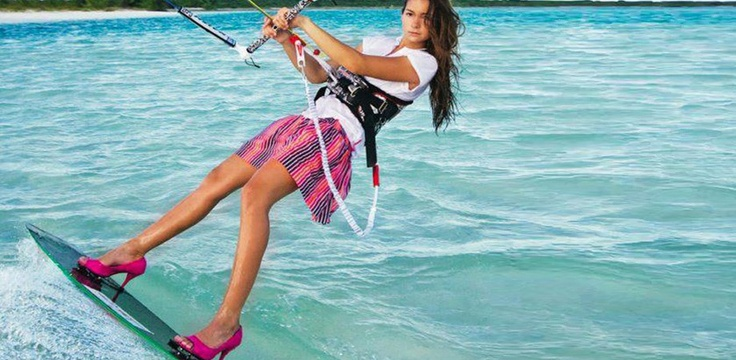 Ever fancied kitesurfing without foot straps? Here's how to start...    http://www.tantrumkitesurf.com/strapless-kitesurfing/