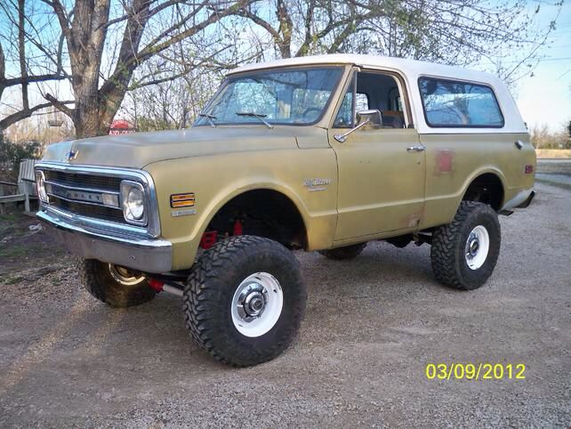 First Generation K5 Blazer with steelies and dog dishes. Love It!