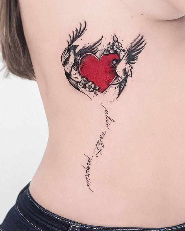 Tattoo da Karin q veio nos visitar ontem, aqui no estúdio. ☺️ Valeu pela confiança, adoramos a conversa Karin, volte mais vezes ❤️😘✌🏽️ #watercolor #tattooaquarela #aquarela #tatuagem #tatuagemfeminina