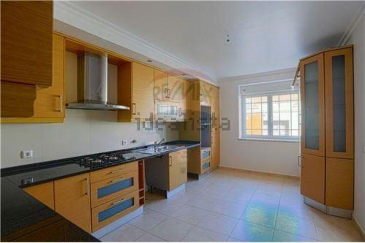 Imagem de apartamento t2 em avenida 9 de julho, Venda do Pinheiro e Santo Estêvão das Galés, Mafra