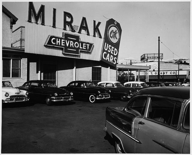 1000 images about dealer lot on pinterest mopar car dealerships and car dealers. Black Bedroom Furniture Sets. Home Design Ideas