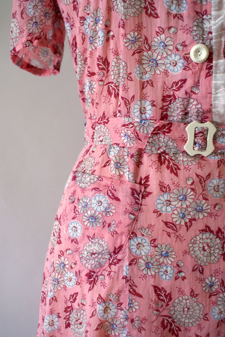 17 best ideas about 40s dress on pinterest curve sleeved dresses 40s clothing and hourglass figure fashion