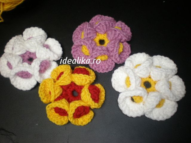 Flower crochet 3 D is a double crochet verry simple, using only the simple, double and treble crochet. If we know the patern is verry easy to do it . The patern start with : Chain 6 and slip stitch into a circle Row 1 : 12 single crochet into circle finish row 1 with …