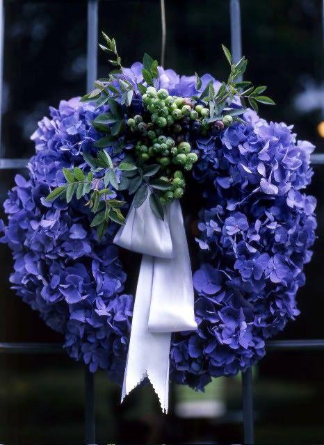 favorite flower, favorite colorBlue Hydrangeas, Doors Decor, Heart Wreaths, Summer Wreaths, Blue Flower, Autumn Wreaths, Blue Wreaths, Floral Wreaths, Hydrangeas Wreaths