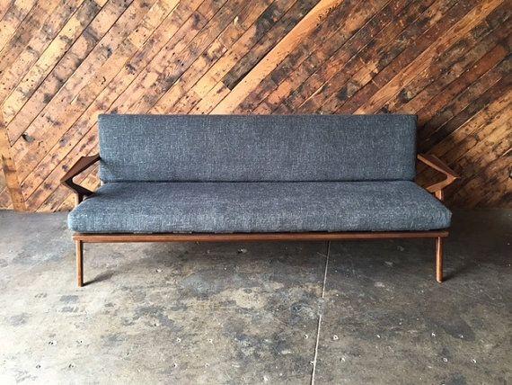 Milieu du siècle Style Custom Z canapé par TheHuntVintageLA