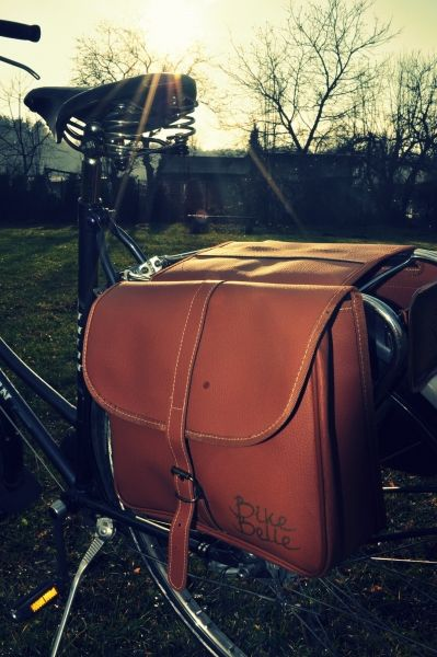 Retro bicycle panniers, handmade in Italy - Bike Belle Cambridge