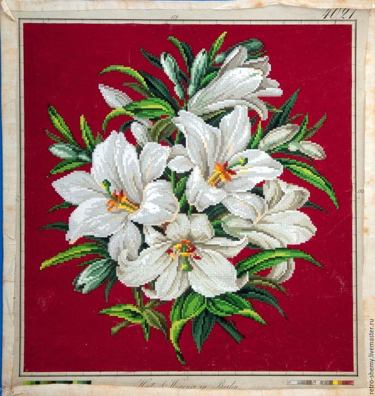 Купить или заказать Схема вышивки 'Белые лилии' в интернет-магазине на Ярмарке Мастеров. Авторская реконструкция старинной схемы для вышивания крестом 1840 года по старинному, раскрашенному вручную бумажному шаблону. Издательство Hertz&Wegener. К схеме прилагается ключ в цветовой палитре ниток DMC, а также возможные размеры готовой вышивки на 14, 16, 18 и 25 канве. Схема в электронном виде, в формате PDF. Можно заказать цветной или черно-белый вариант схемы по вашему желанию, или ...