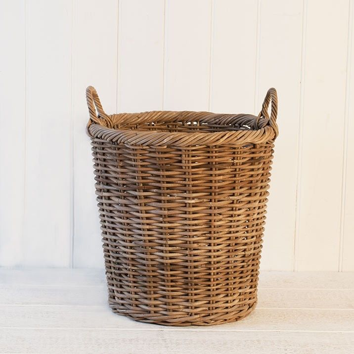 Kubu Flowerpot - Our Kubu Grey baskets are examples of fine Indonesian weaving and meticulous finish. Not only are the baskets durable and tough, they also offer attractive and unique shapes suitable for a variety of functions.