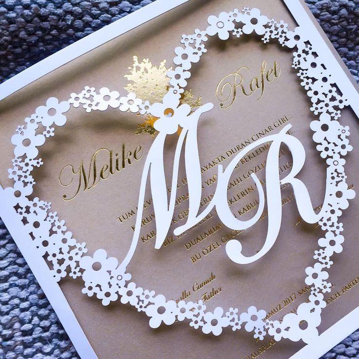 Shine bright like a stars . . . #davetiye #davetiyetasarim #dugundavetiyesi #nikahsekeri #savethedate #wedding #weddinginvitation #verlobung #hochzeitstag #einladungskarten #hochzeit2017 #hochzeitskarten #braut #bride #bekarligaveda #dugunhazirliklari #dugun #gelin