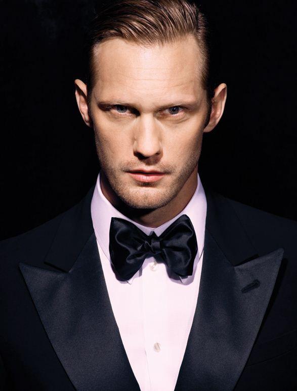 Totally feel like that Alexander Skarsgard should be the next Christian Grey. Ohhhh HOT!
