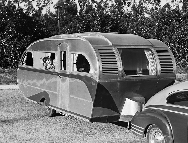 580 best vintage travel trailers images on pinterest for Camping a couture 49