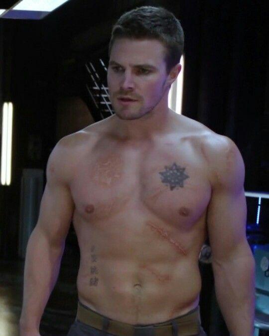 Stephen Amell, shirtless, Arrow   I Dream of Stephen ...