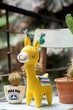 Alpaca Amigurumi - Patrón Gratis en Español aquí: http://elblogdedmc.blogspot.com.es/2016/06/pica-pau-teje-patrones-exclusivos-con.html