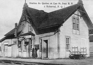 Station du Québec et Lac St-Jean, R. R. à Roberval, P.Q.