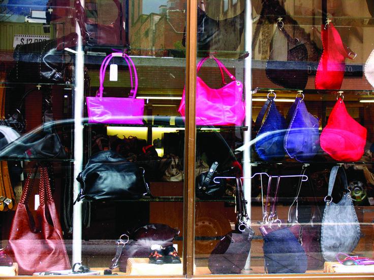 En pymes de marroquinería y calzado de Bogotá: El diseño pisa duro