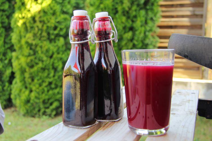 Egyszerű feketeszeder szörp recept: Gyorsan, és egyszerűen elkészíthető isteni finom, sűrű feketeszeder szörp recept! ;)