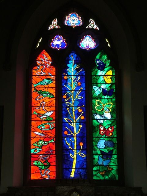 St Bartholomew's Church, The Williamson Window, 1970, Designed by John Piper, Interpretation in glass by Patrick Reyntiens
