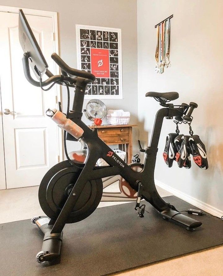Peloton On Instagram Tfw You Fall In Love With A Bike Setup Photo Via Trendy Mommy Onepeloton In 2020 Workout Room Home Small Home Gyms Home Gym Decor