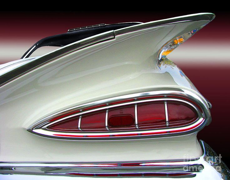 Love these tail lights. Would like to make some wall lights in my future shop with some of these.