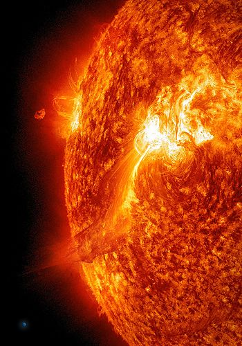 Large Solar Flare on 9/25/11 (SDO AIA304)